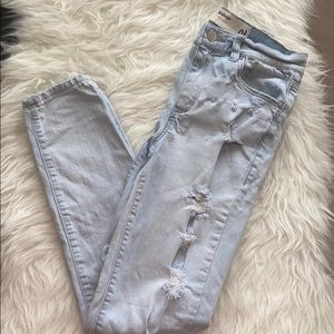 Garage high rise light wash jeans - ripped